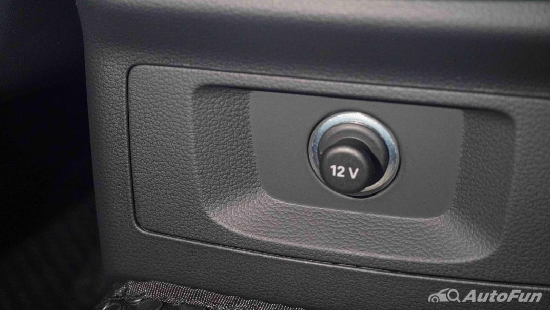 2020 Audi A4 Avant 2.0 45 TFSI Quattro S Line Black Edition Interior 041