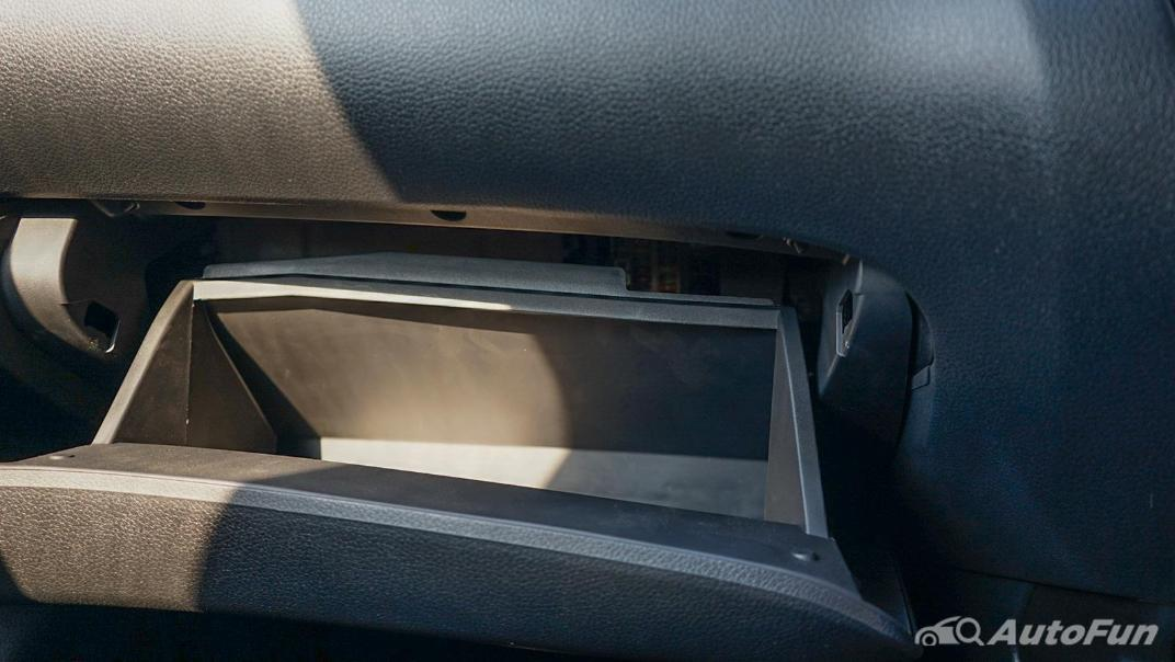 2021 Nissan Navara PRO-4X Interior 030