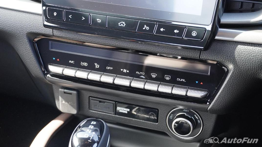 Mazda BT-50 Pro 2021 Interior 012