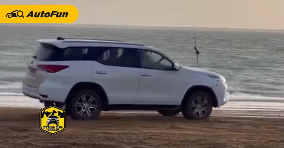 แน่นอนจริง ๆ 2021 Toyota Fortuner โชว์ดริฟท์ริมหาดก่อนพบจุดจบแบบคุ้มค่าเน็ต 01