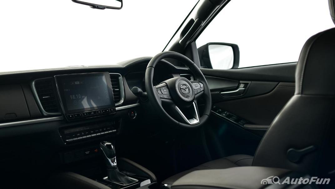 Mazda BT-50 Pro 2021 Interior 052