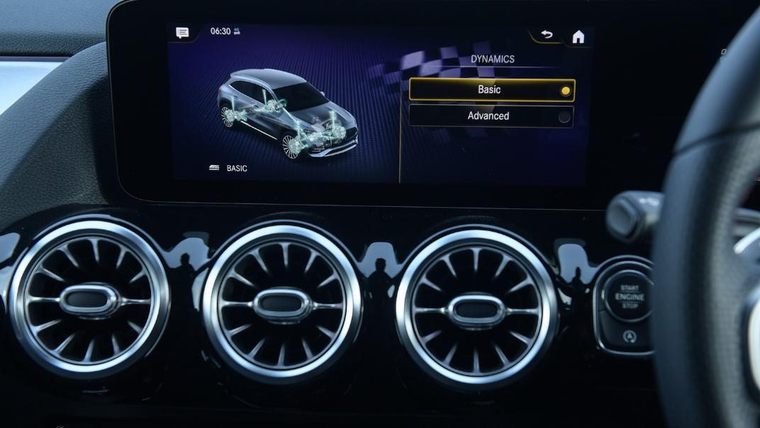 2021 Mercedes-Benz GLA-Class 35 AMG 4MATIC Interior 048