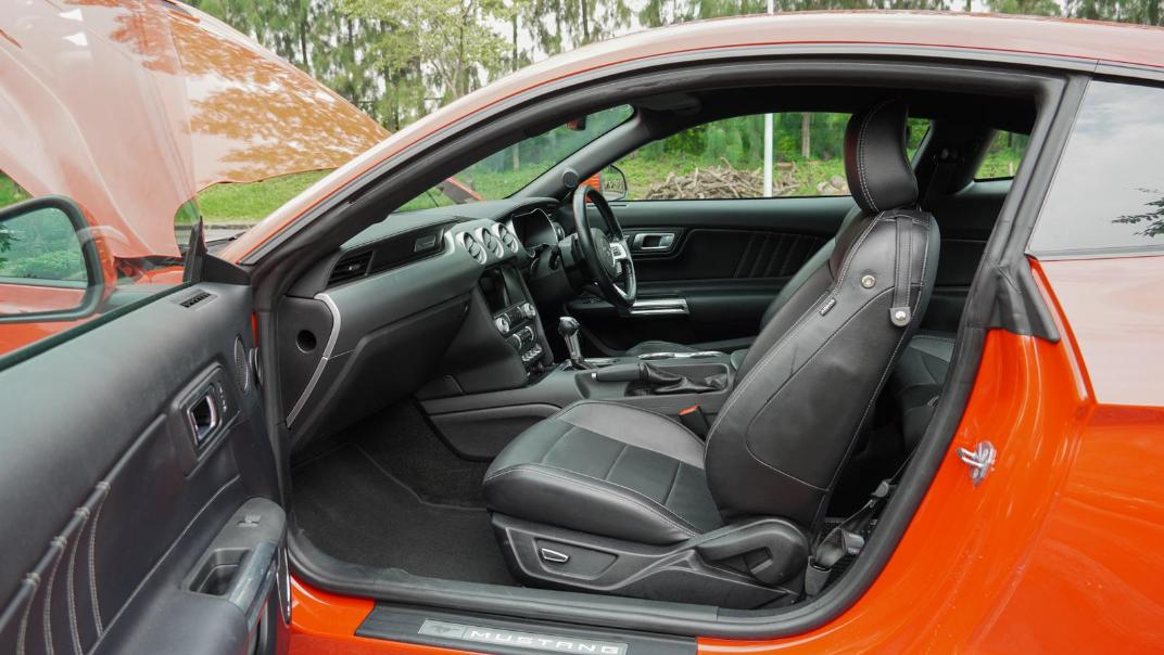 2020 Ford Mustang 2.3L EcoBoost Interior 116