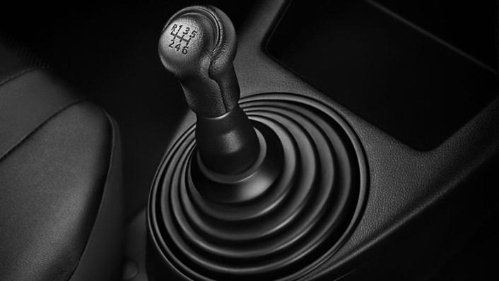 Toyota Hilux Revo Standard Cab 2020 Interior 005