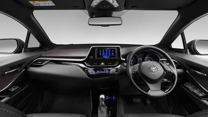 Toyota C-HR 2020 Interior 001