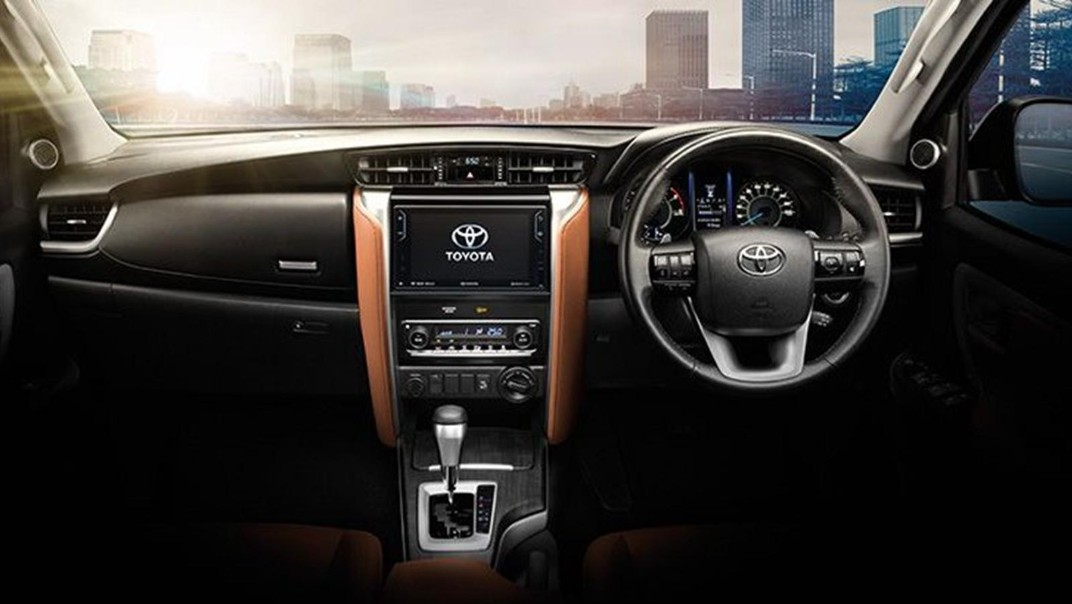 Toyota Fortuner 2020 Interior 001
