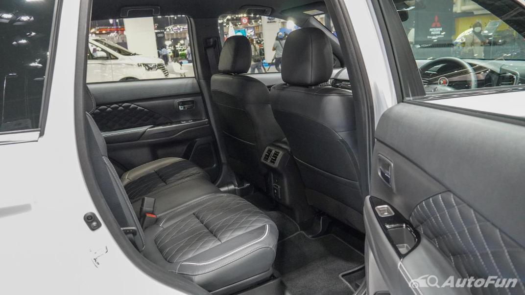 2021 Mitsubishi Outlander PHEV GT Interior 013