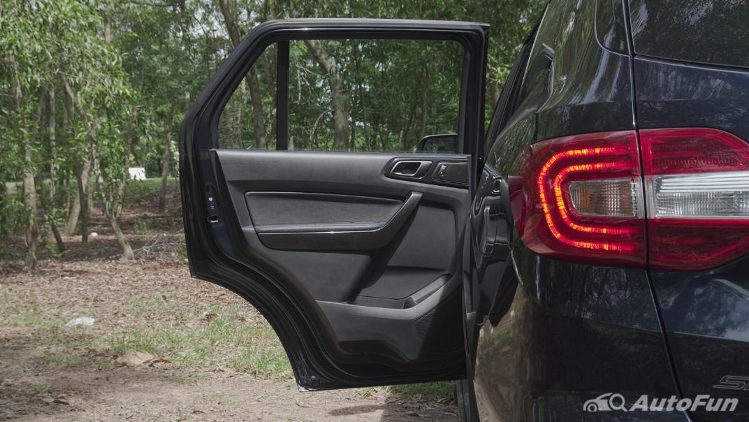 2021 Ford Everest 2.0L Turbo Titanium 4x2 10AT - SPORT Interior 054
