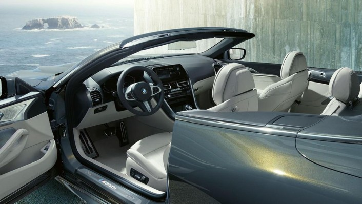 BMW 8-Series-Convertible Public 2020 Interior 002