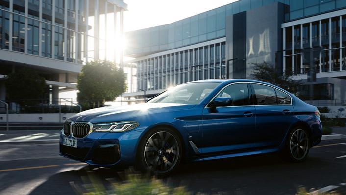 2021 BMW 5 Series Sedan 530e Elite Exterior 006