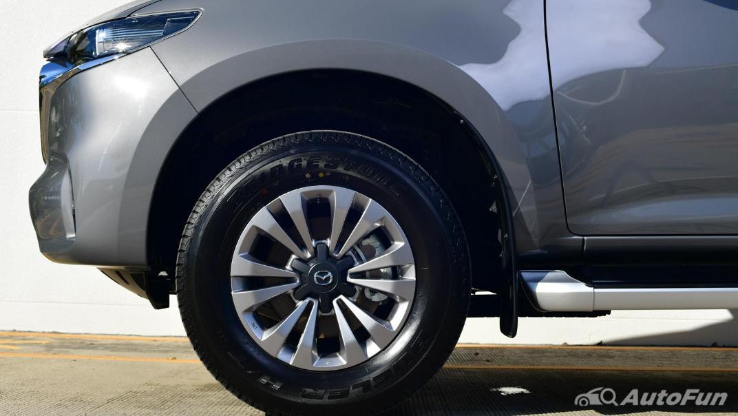 Mazda BT-50 Pro 2021 Exterior 087