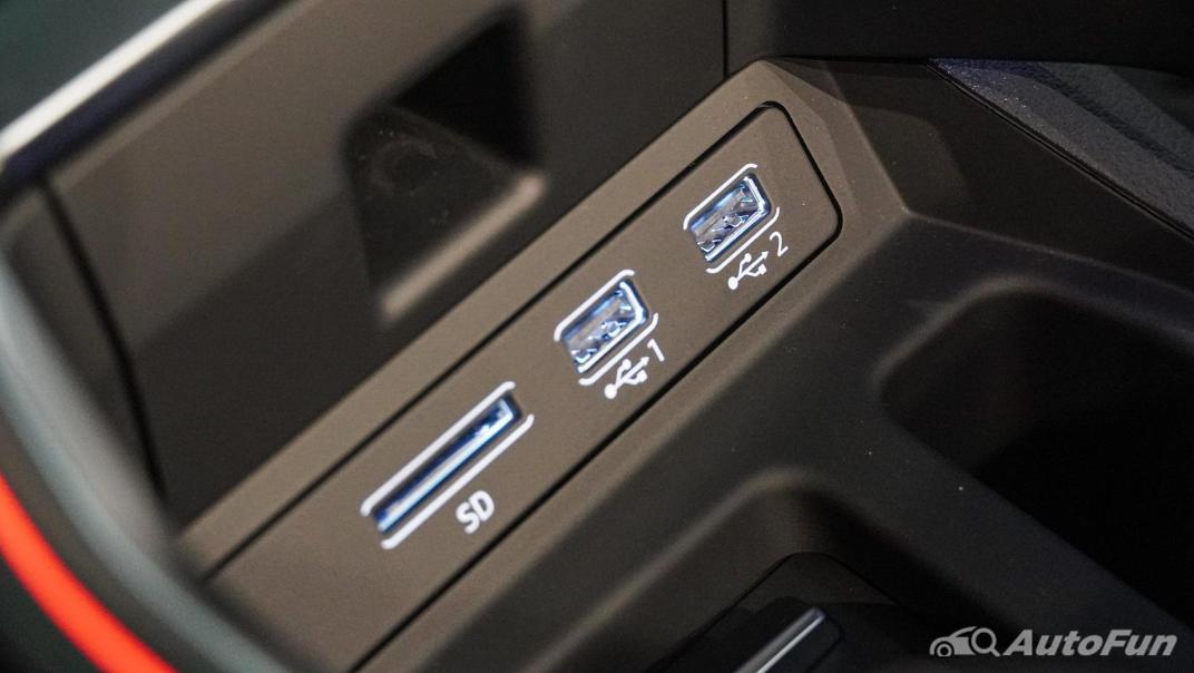 2020 Audi E Tron Sportback 55 quattro S line Interior 052