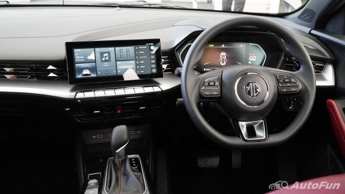 2021 MG 5 Upcoming Version Interior 002