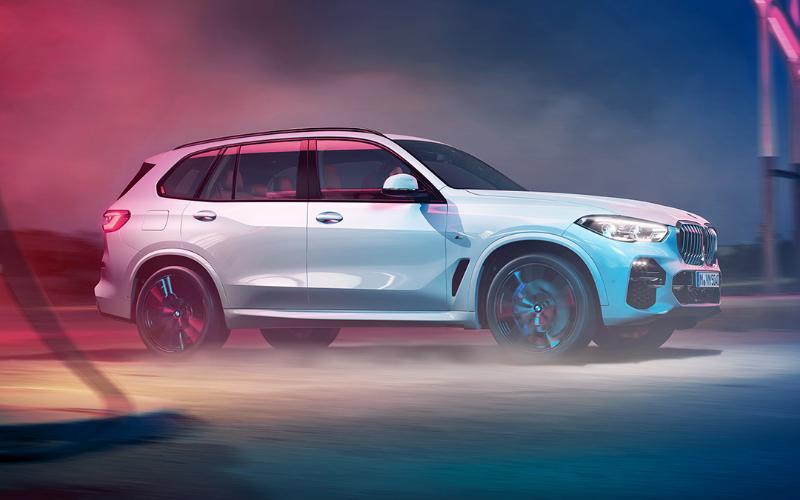 เทียบสเปกเอสยูวีดีเซลสัญชาติเยอรมัน 2019 Mercedes-Benz GLE 300d 4MATIC กับ 2019 BMW X5 xDrive30d M Sport 02