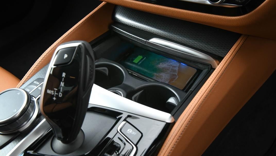 2021 BMW 5 Series Sedan 530e M Sport Interior 035