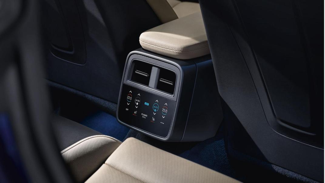 2020 Porsche Taycan Interior 009