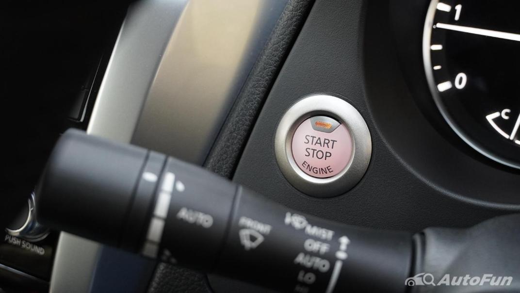 2021 Nissan Navara Double Cab 2.3 4WD VL 7AT Interior 009