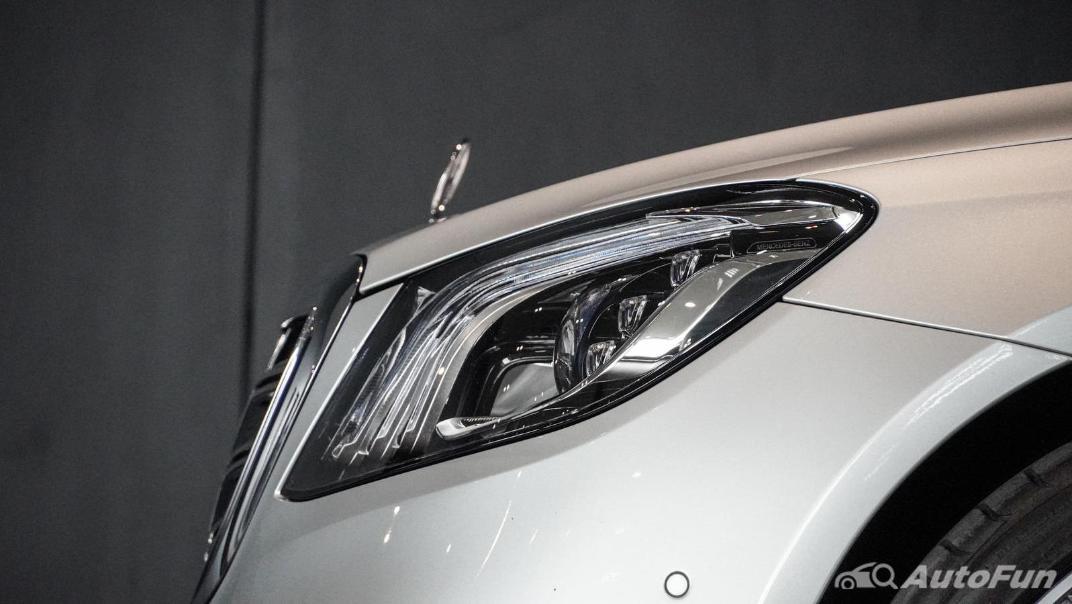 Mercedes-Benz S-Class S 560 e AMG Premium Exterior 013