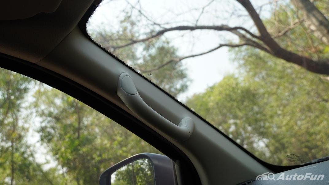 2021 Nissan Navara Double Cab 2.3 4WD VL 7AT Interior 056