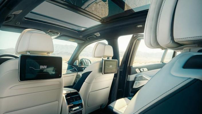 BMW X7 2020 Interior 003