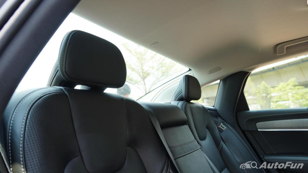 2021 Volvo S90 Recharge Interior 030