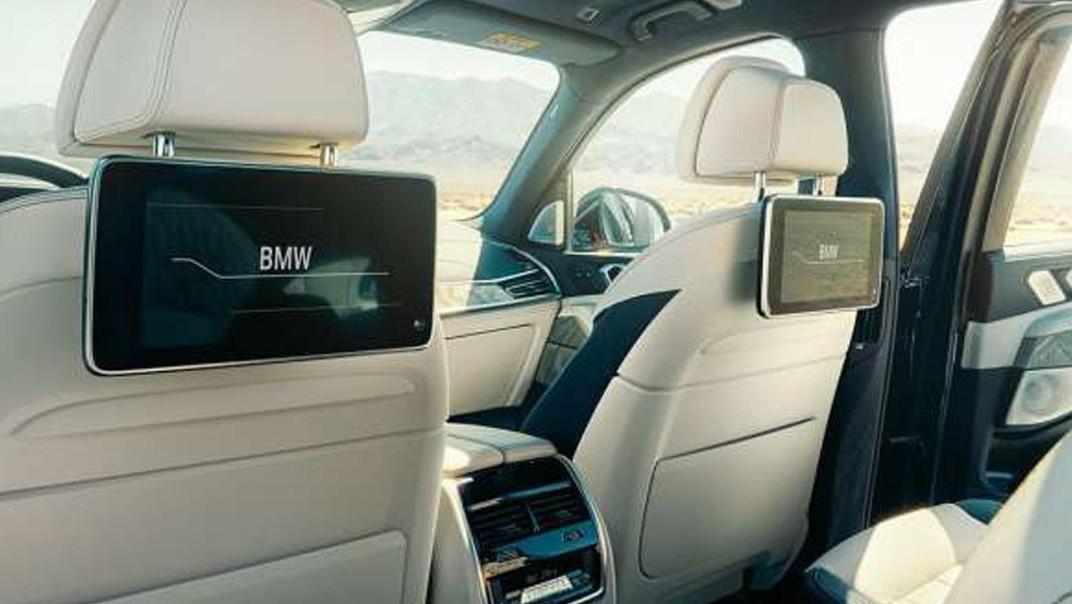 BMW X7 2020 Interior 004