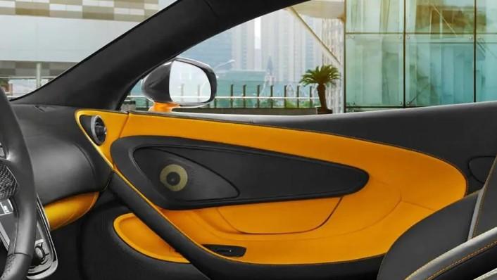 McLaren 540C 2020 Interior 003