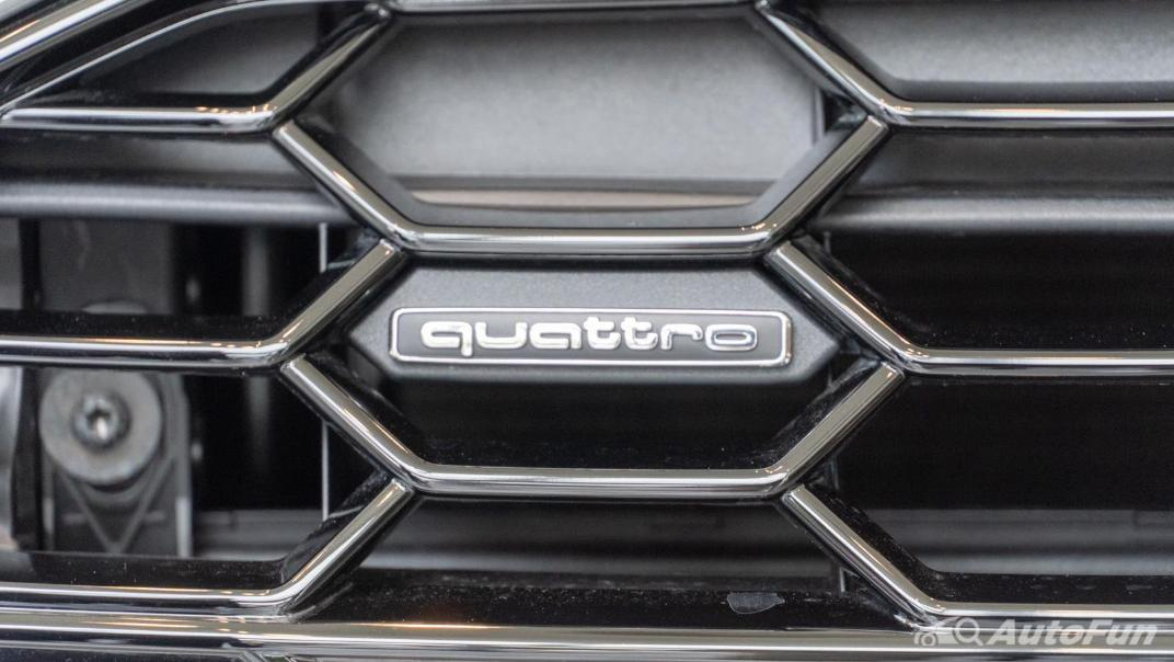 2020 Audi A4 Avant 2.0 45 TFSI Quattro S Line Black Edition Exterior 067