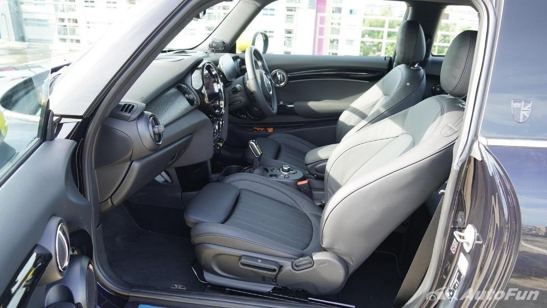 2021 MNI 3-Door Hatch Cooper S Interior 039