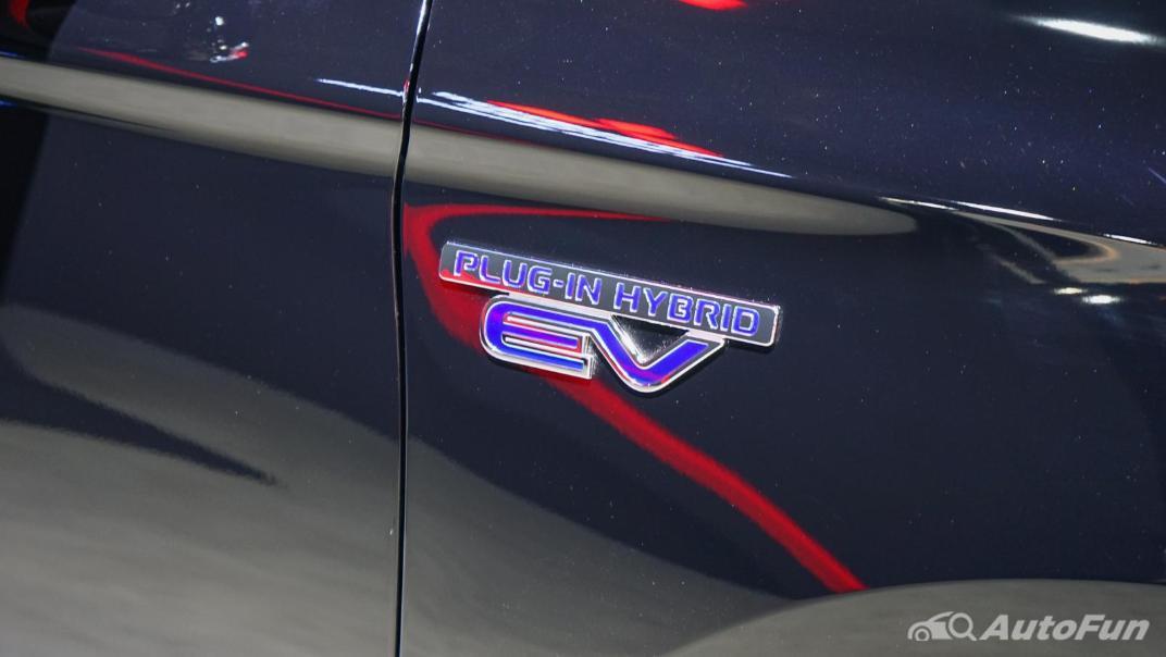 2021 Mitsubishi Outlander PHEV GT Exterior 019