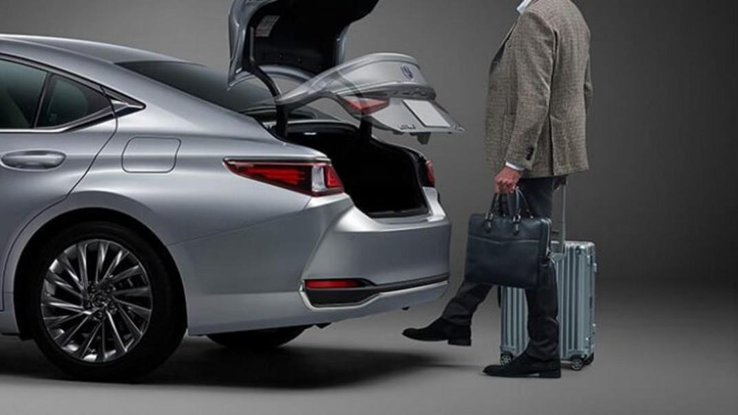 Lexus ES 2020 Exterior 016