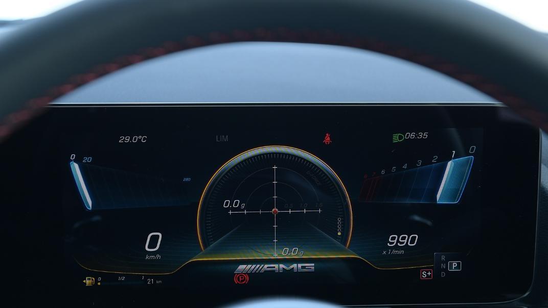 2021 Mercedes-Benz GLA-Class 35 AMG 4MATIC Interior 008