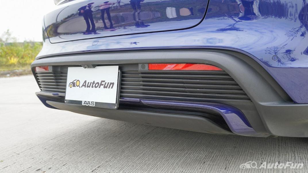 2020 Porsche Taycan Turbo Exterior 019
