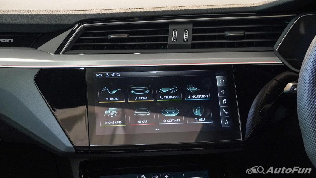 2020 Audi E Tron Sportback 55 quattro S line Interior 022