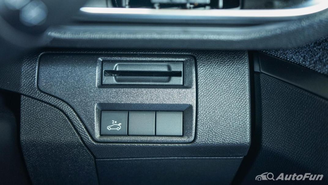 2020 Peugeot 5008 1.6 Allure Interior 031