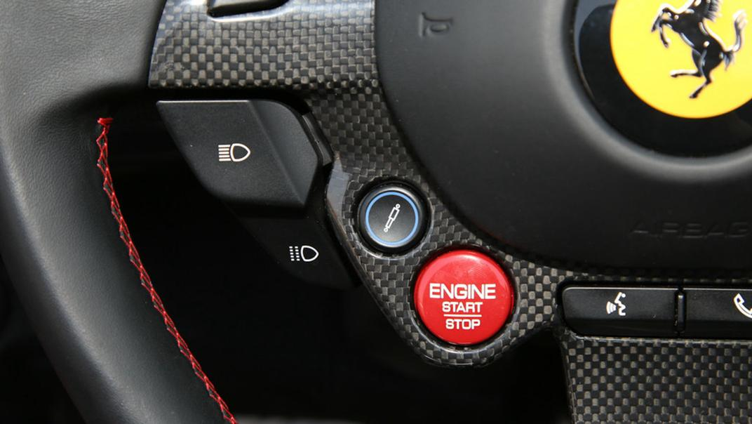 2020 Ferrari 812 GTS 6.5L Interior 001