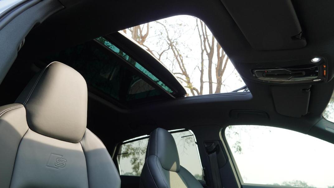 2020 Audi E Tron Sportback 55 quattro S line Interior 075