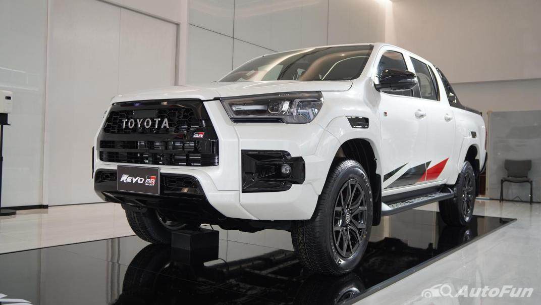 2021 Toyota Hilux Revo Double Cab 4x4 2.8 GR Sport AT Exterior 003