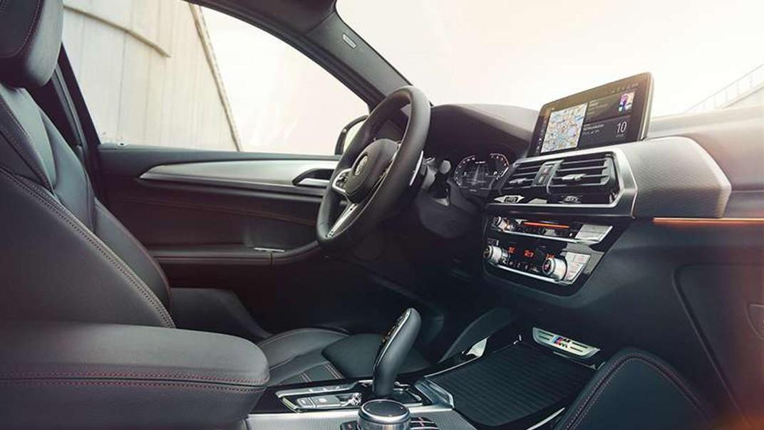 BMW X4 2020 Interior 002