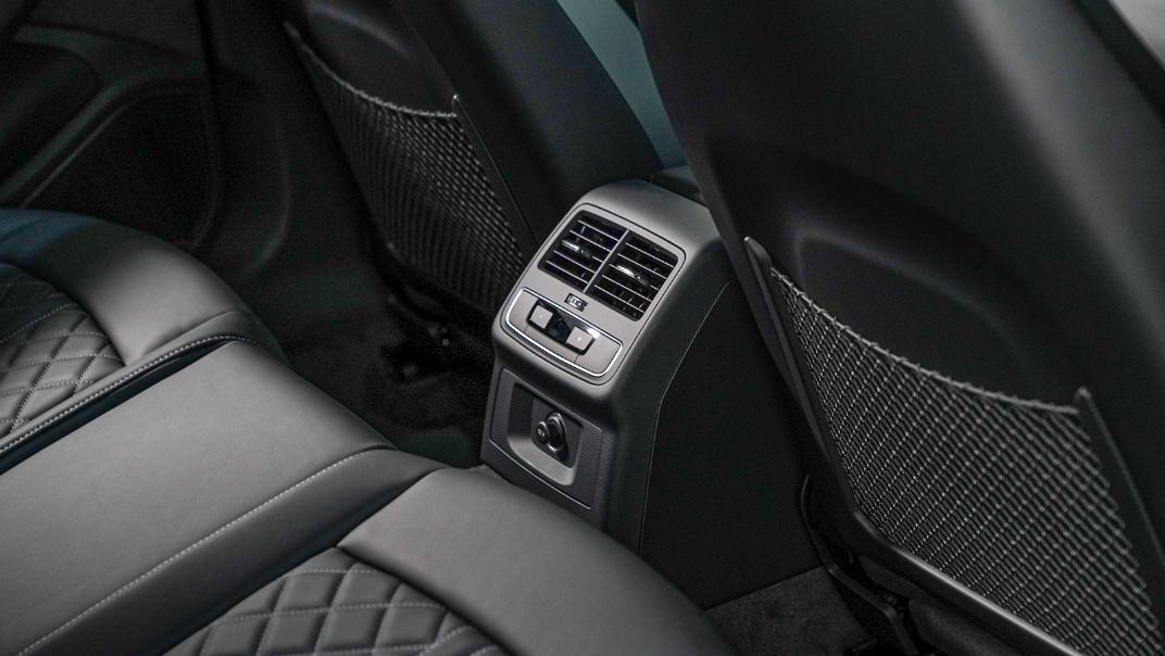 2020 Audi A4 Avant 2.0 45 TFSI Quattro S Line Black Edition Interior 113