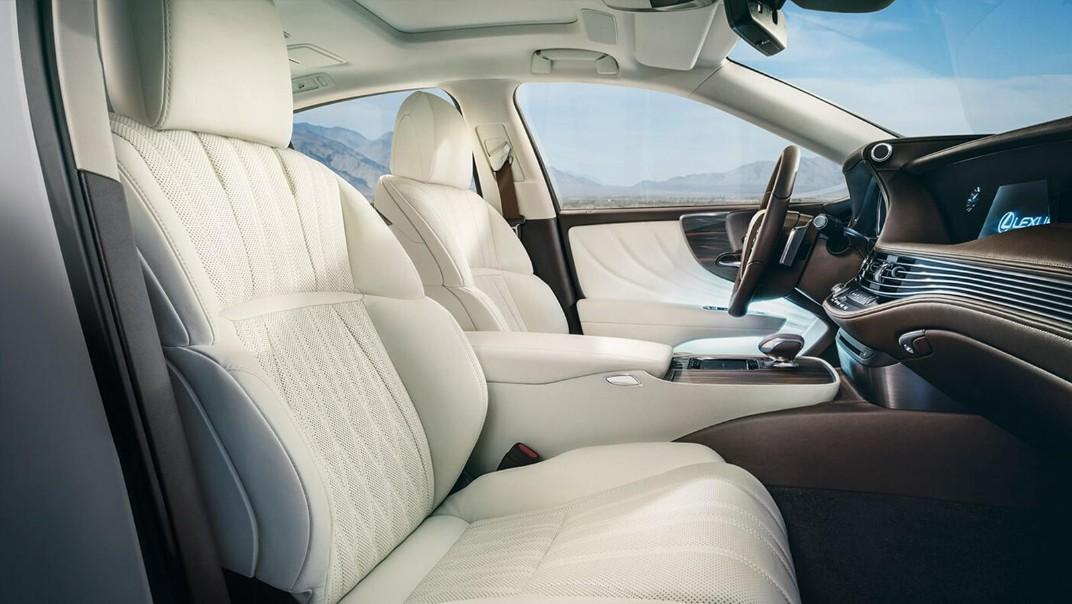 Lexus LS 2020 Interior 002