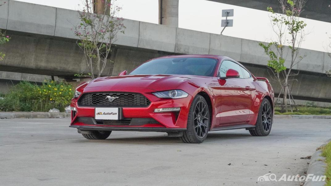 2020 Ford Mustang 2.3L EcoBoost Exterior 001