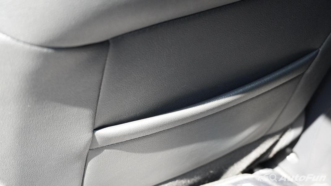 2021 Nissan Navara Double Cab 2.3 4WD VL 7AT Interior 045