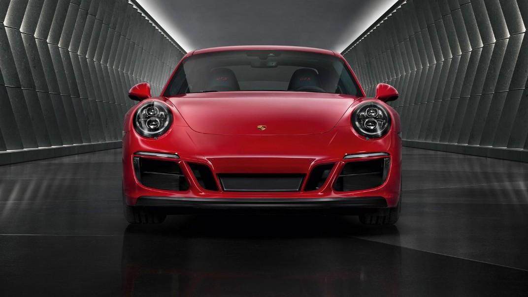 Porsche 911 Public 2020 Exterior 013