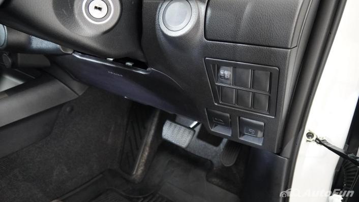2021 Toyota Hilux Revo Double Cab Z Edition Interior 007