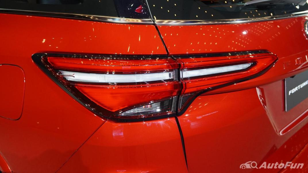 2021 Toyota Fortuner 2.8 GR Sport 4WD Exterior 015